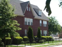 Maple Ave Townhouse