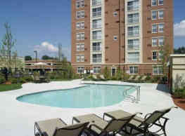 Cloverleaf Apartments - Natick