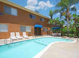 Casa Loma Apartments - Fallbrook