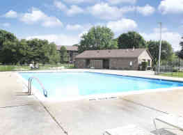 Green Hill Apartments - Farmington Hills