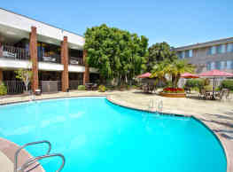 Park Regency Club - Downey