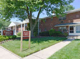 Brookview Manor Apartments, LLC - Stratford