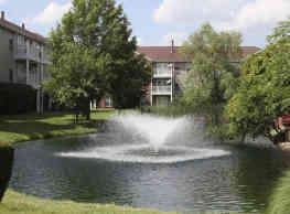 The Lakes - Southfield