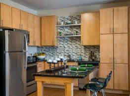 Pinnacle Apartments - Hampton