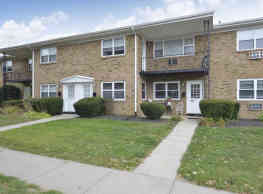 Princeton Arms Apartments North & South - East Windsor