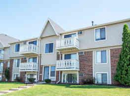 The Club at Oak Creek Apartment Homes - Sheboygan