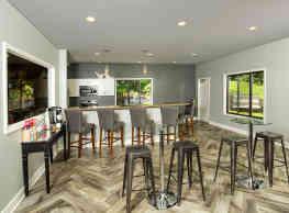 Glen Oaks East Apartments - Grand Rapids