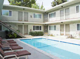 The Pavillion Apartments - Tarzana