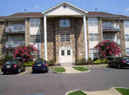 Briar Park Apartments - Lakewood