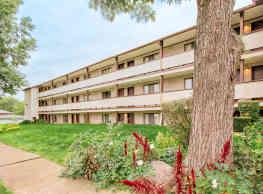 Rosamond Apartments - Akron