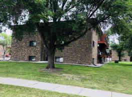 Mindak Apartments - Fargo