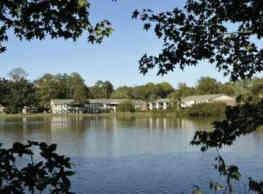Lake Shore Village - Columbia