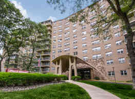 Park Royal Apartments - Bridgeport