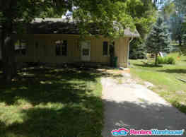 SPECIAL!! Large 3 Bed 2 Bath Duplex near Merle... - Des Moines