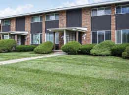 Carriage House Apartments - Flint