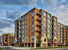 Genesee Apartments And Townhomes - Bloomington