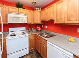 Hyde Park Apartment Homes - Bellmawr