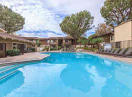 Raintree Apartment Homes - Brea