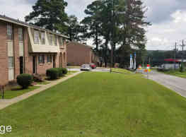 Pine Ridge Apartment Homes - Macon