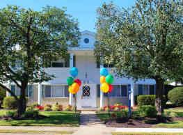 Mercury West Apartments - Hampton