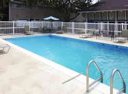 Woodland Towns Apartments - Biloxi