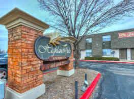 Highland Oaks - Warr Acres