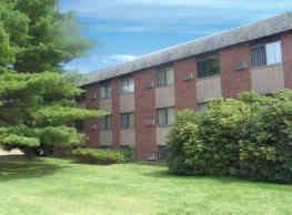 Lord Baron Apartments - Burlington