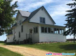 Spacious 4 Bed, 1 1/2 Bath Home in Spring... - Spring Valley