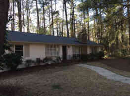670 S Valley Rd - Southern Pines