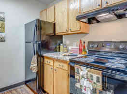 Columbia West Apartments - Grand Forks