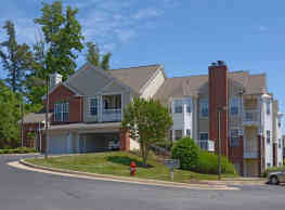 Carriage Hill Apartments - Charlottesville
