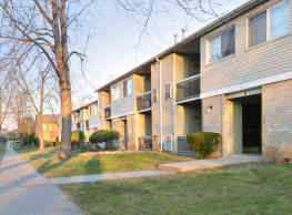 Fox Meadow Apartments and Townhomes - Maple Shade