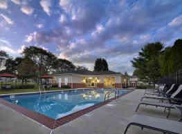 Village Square Apartments - Harleysville