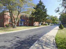Lakeside Cove Apartments - Euclid