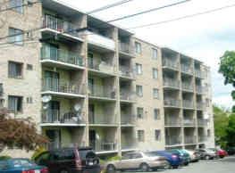Parkwood Drive Apartments - Malden