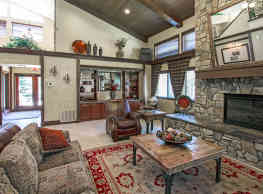 Woodcrest Apartments - Flagstaff