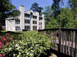 Charbonneau Apartments - Columbia