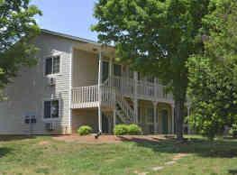 Oakwood Apartments - Newton