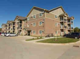 Hilltop Apartments - Des Moines