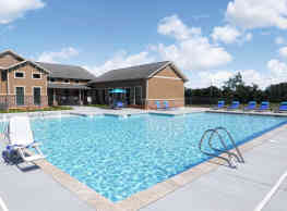 Boulevard at Lakeside - Midwest City
