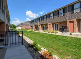 The Bluffs At Chery Hills Townhomes - Omaha