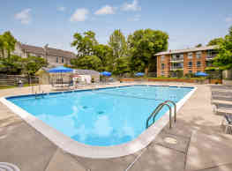 Lee Square Apartments - Falls Church