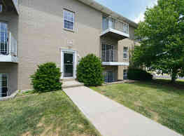 The Apartments at Oakbrook Court - Bloomington