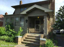 2100 Grovewood Ave - Parma