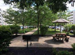 Ridgewood Park Apartments - Parma Heights