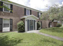 Lakeshore Club Apartments And Townhomes - Tampa