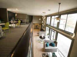 Canterbury Green Apartments - Fort Wayne