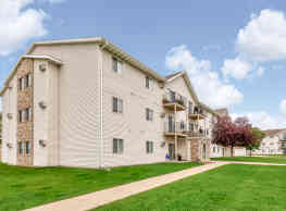 Wheatland Place Apartments & Townhomes - Fargo