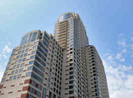 Plaza Towers Apartments - Grand Rapids