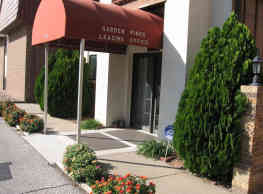 Garden Pines Apartments - Wichita